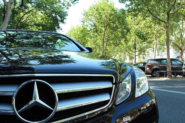 Les raisons et les avantages de la location d'un taxi privé à Bordeaux