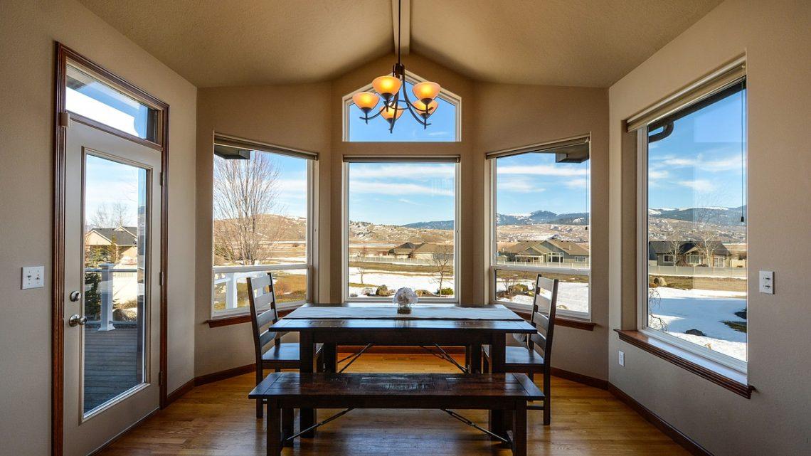 Les avantages de l'installation de baies vitrées dans la maison