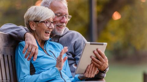 Comment trouver une assurance adaptée aux séniors